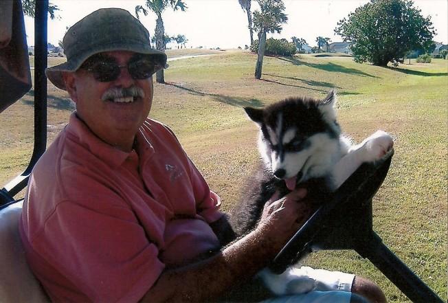 Onyx & dad golf course '070001